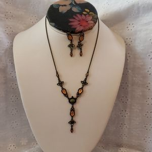 Avon necklace and earring Set